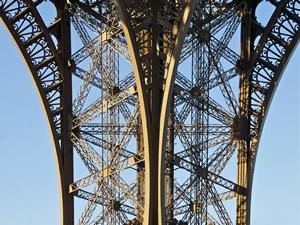 eifell-tower-pixabay_tpsdave 300x225